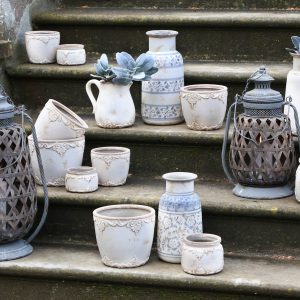 Vases, Jugs & Pots